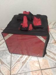 Caixa térmica com bolsão