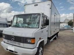 caminhão Mercedez 710
