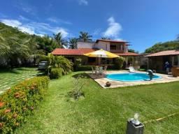 Vende-se casa dúplex localizada na praia do barro preto no Iguape