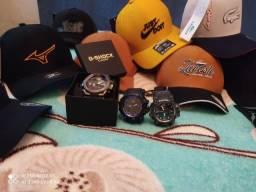 Bonés e relógio G-shock