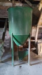 Título do anúncio: Misturador de ração 500 kg