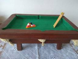 Mesa de Sinuca Artesanal Pequena (Com bolas, taco e giz)