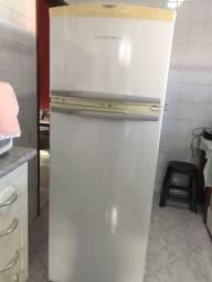 Título do anúncio:  Refrigerador Duplex Frost Free Brastemp 375 L