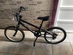 Bicicleta Caloi infantil aro 20 com marchas.