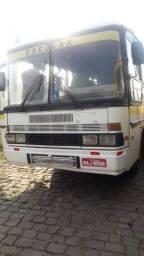 Ônibus Mercedez 1513 ano 84