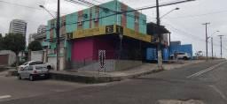 Vende-se ou arrenda-se lindo salão em Capim Macio