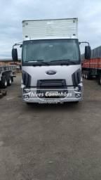 Caminhão Ford Cargo 2422