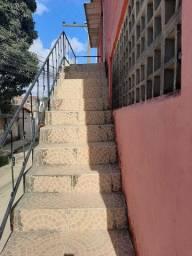 Casa linda em 1° andar Bultrins 600 reais