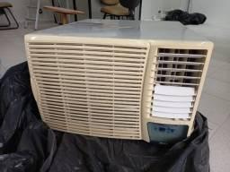 Ar condicionado 18.000btus Janela Usado, 220V