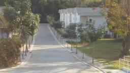 linda casa em condominio fechado na vila sao bento zona sul sjc