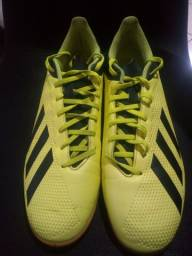 Chuteira Adidas 18.4 - Futsal - Verde.