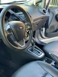 New Fiesta Hatch Titanium 1.6 2015