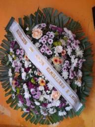 Coroas de flores para homenagem