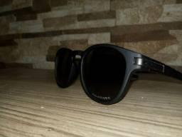 Vendo oculos Oakley Latch Preto