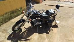 Motocicleta Honda Shadow 600 - ano 2001