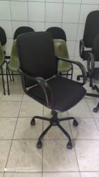 Cadeira reformada de diretor