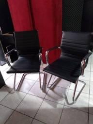 Cadeiras executivas as duas por esse valor