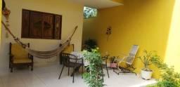 Bela casa com 3 quartos situada no Conjunto Casa Forte, Antares,
