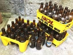 Título do anúncio: Livrinho e engrado para cerveja .