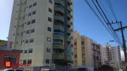Amplo apartamento no Estreito com sacada e garagem