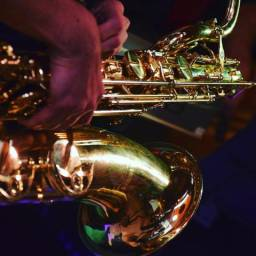 Aulas de saxofone, flauta e clarinete em Joinville