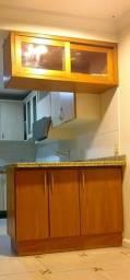 Barbada! Lindo armário em cerejeira 0.85 x 1.20 + cristaleira aérea 0.48 x 1.20