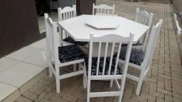 Mesa com giratoria com 6 cadeiras branca