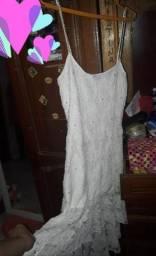 Vestido branco M por 30 reais zap *