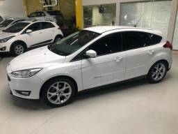Ford Focus 1.6 hatch - 2016