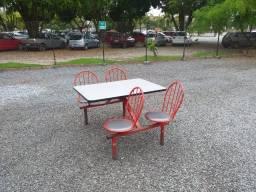 Mesa com cadeira para refeitorio