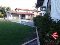 Casa no Centro, com descida para a praia em Paracuru-ce, 3 quartos, piscina