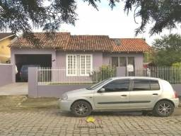 Casa Com Suíte e Churrasqueira Petropolis