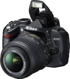 Camera Nikon D3000 com Lente Seminova