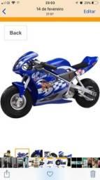 Mini moto elétrica suporta até 50 kilos