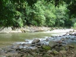 Chácara com Rio encachoeirado mineral em Cachoeiras de Macacu - 930m²