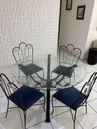 Mesa com 4 lugares