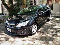Ord Focus Hatch GLX, Top, Couro, 72.000km, Ipva 21 Pg, Impecável, Financio