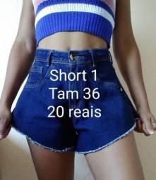 Título do anúncio: Vendo dois shorts 20 reais cada