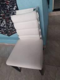 Vendo 4 cadeiras  (19)992-818491 watsap