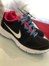 Tênis Nike corrida 35/36