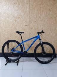 Bicicleta aro 29 da marca GTA