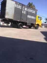 Caminhão de frete e mudança