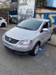 Vendo ou troco Volkswagen Fox 2008 , completo impecável financio