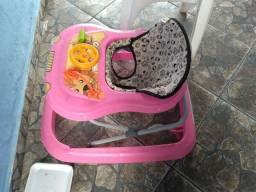 2 carrinhos de bebês usados mais 1 andador