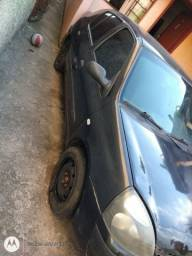 Vendo ou troco Clio sedan 1.6 16V