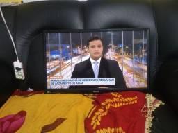 Tv e monitor de 29 polegadas entrada pra cabo internet toda boa