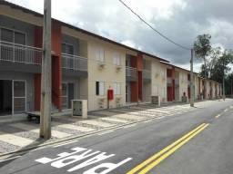 Casa térrea de 2/4 em Condomínio Fechado na Mário Covas