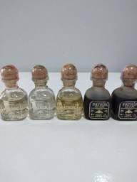 Bebidas - garrafas de dose para coleção