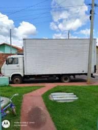 Caminhão Volks 7.100 baú ano 95 troco