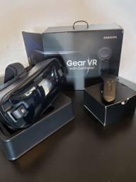 Óculos De Realidade Virtual Samsung GearVR C/controle Remoto<br><br>